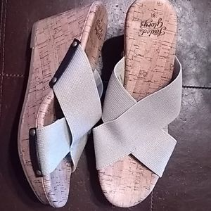 Faded Glory wedge size 8 1/2